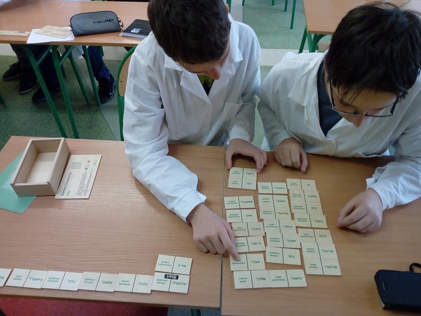 Kółko zainteresowań z chemii - zdjęcie w treści  nr 2