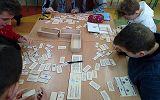 uczniowie podczas zajęć dydaktyczno-wychowawczych