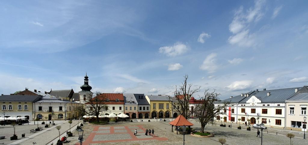 Krośnieński rynek fot. Z. Żyburtowicz (6) (1024x482).jpg [253.99 KB]